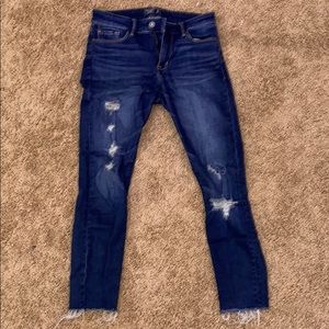 Cropped Abercrombie & Fitch Jeans with Rips